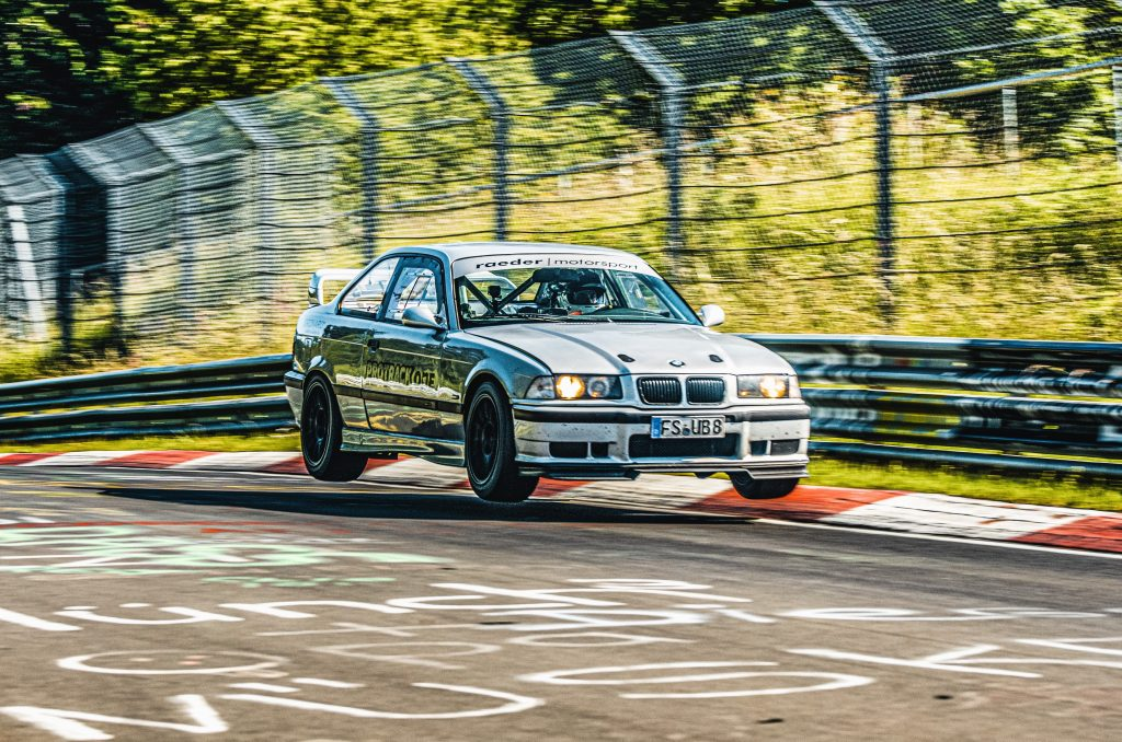 """""""Nordschleife-BTG"""": 7:17 min in the 321 hp BMW M3 (E36) with KW Competition 4A – and your heart beats faster"""
